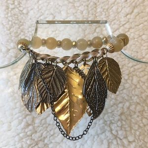 Stretch bracelet with leaf charms